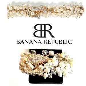 BANANA REPUBLIC GOLD PLATED SEA LIFE BRACELET
